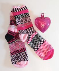 Mexican glass pink heart with venus solmate socks